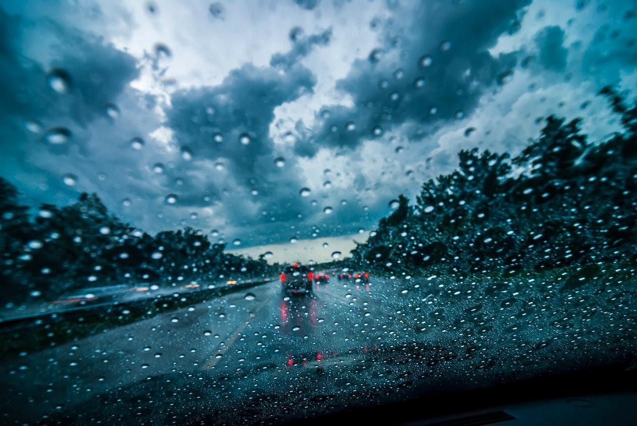 consejos-conducir-lluvia-nieve-viento-hielo