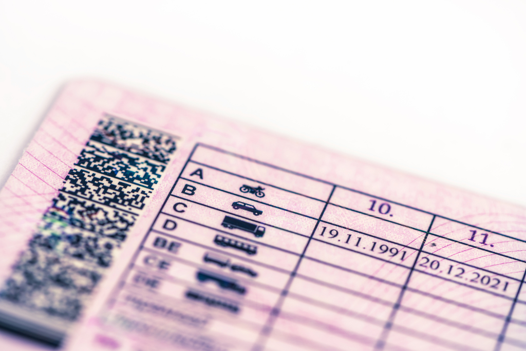 ¿Qué validez tienen los permisos de conducir? Centro de Reconocimiento Grupo CMR.