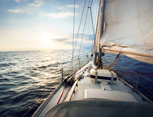 ¡Llega el Verano! Toca salir a Navegar. Renovación Licencias Náuticas – Grupo CMR.